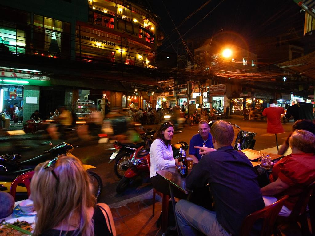 Saigon Plans New Walking Streets In Backpacker District - Ha Food Tours