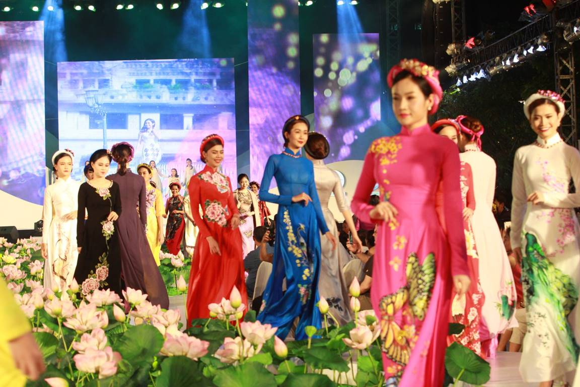 5-й Фестиваль традиционного платья «аозай» 2018 открылся в г.Хошимине